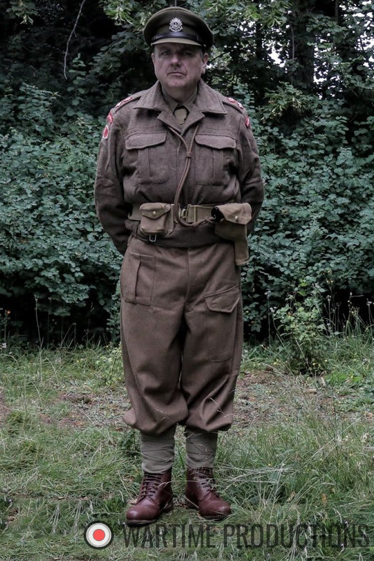 British Army Officer ww2 supporting artist hire